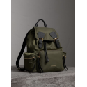 The Medium Rucksack in Vintage Check and Leather Burberry - 1